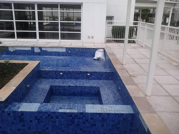 Empresa para Fazer Limpeza de Piscina no Jardim dos Prados - Empresas para Manutenção de Piscinas