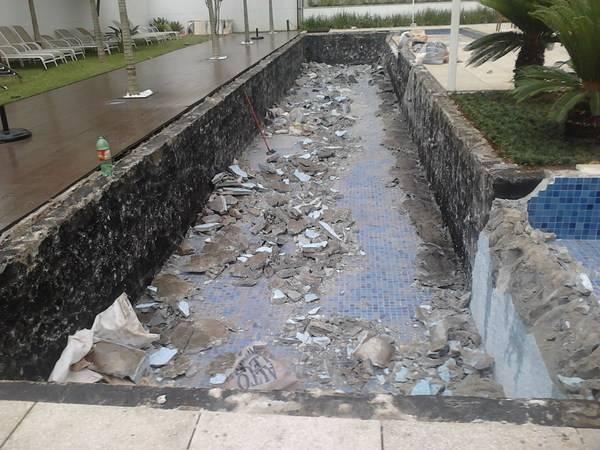 Empresa para Limpeza Emergencial para Piscina na Chácara Monte Alegre - Limpeza de Piscina Emergencial