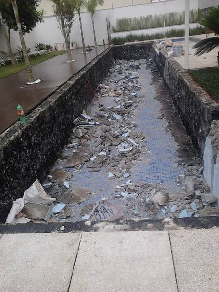 Empresa para Limpeza Emergencial para Piscinas na Vila Romano - Limpeza de Piscina Urgente