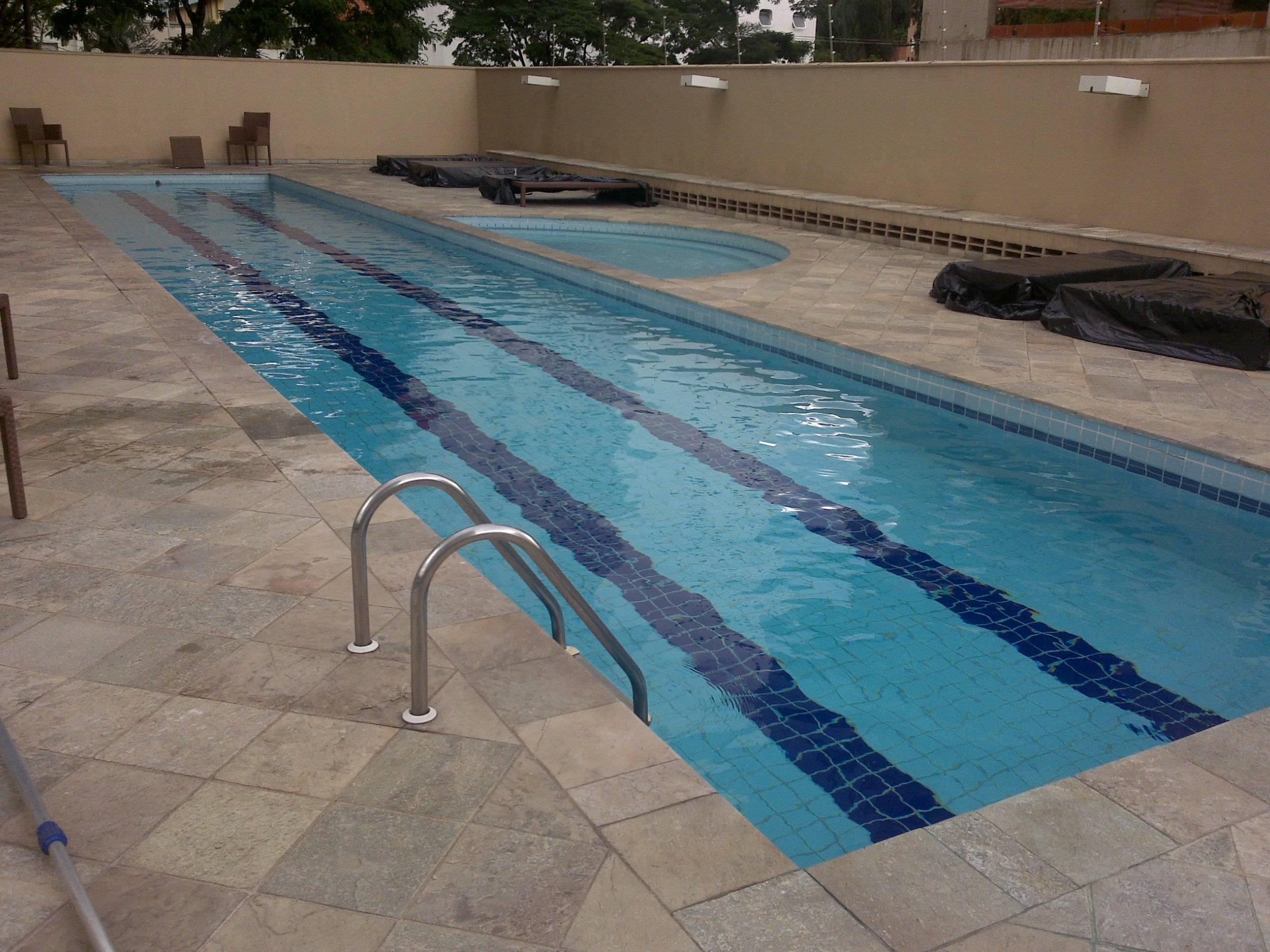 Empresas especializadas em limpeza de piscinas qualy for Piscinas empresas
